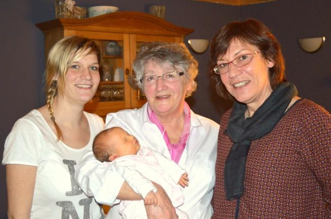 4 générations féminines wellin.jpg